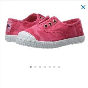 CIENTA Classic Kids Slip-on Sneakers in Coral